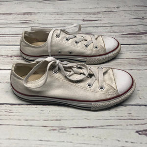 Converse Youth Size 2 white shoes, pre-owned